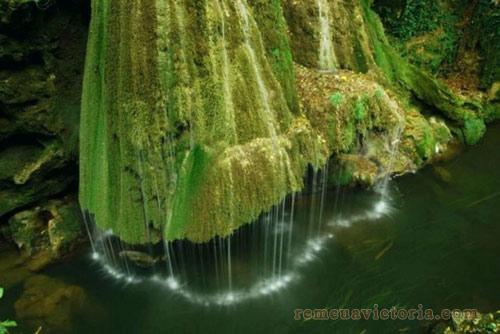 Thác nước Bigar được mệnh danh là rèm cửa của thiên nhiên